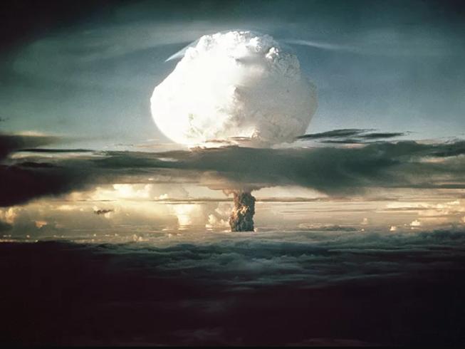 Mỹ thử bom nhiệt hạch Ivy Mike năm 1952.