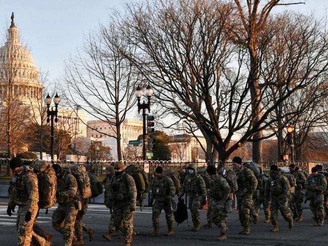 Nghị sĩ Dân chủ mặc áo giáp tới lễ nhậm chức của ông Biden