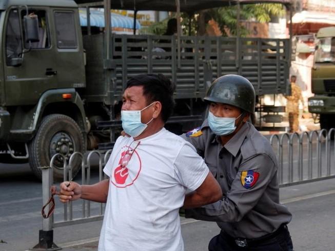 Anh, Canada trừng phạt bộ trưởng, tướng lĩnh Myanmar
