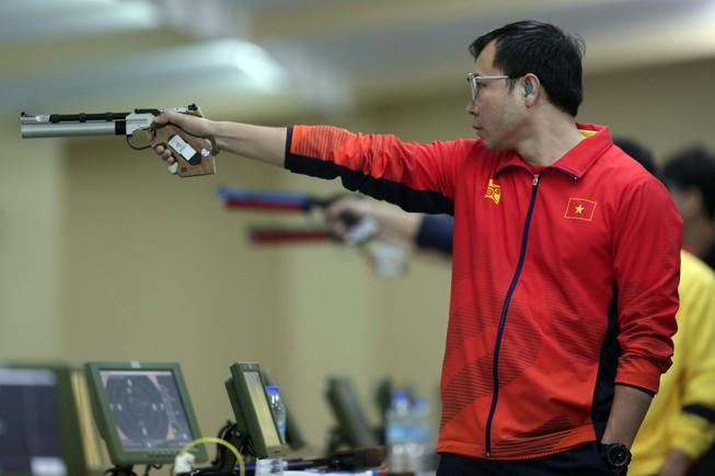 Hoàng Xuân Vinh 'hụt' HCV SEA Games 30 ở 4 loạt bắn cuối
