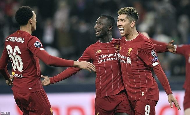 Bùng nổ hiệp 2, Liverpool kết thúc vòng bảng với ngôi đầu
