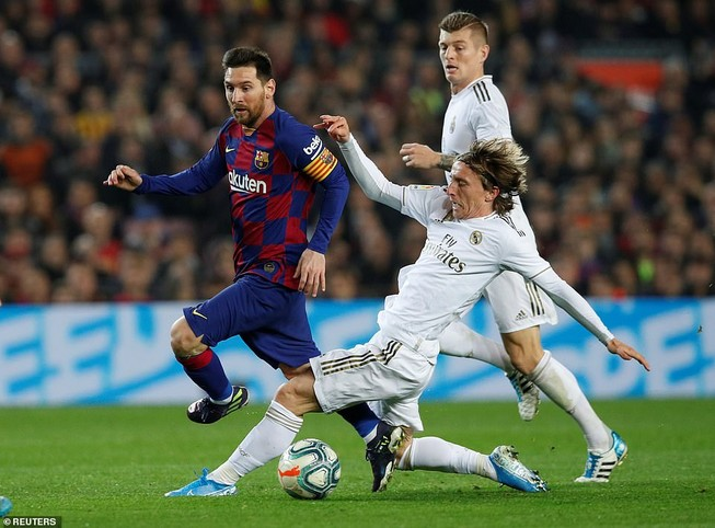 Siêu kinh điển Barcelona - Real thiếu bàn thắng, thừa thẻ phạt