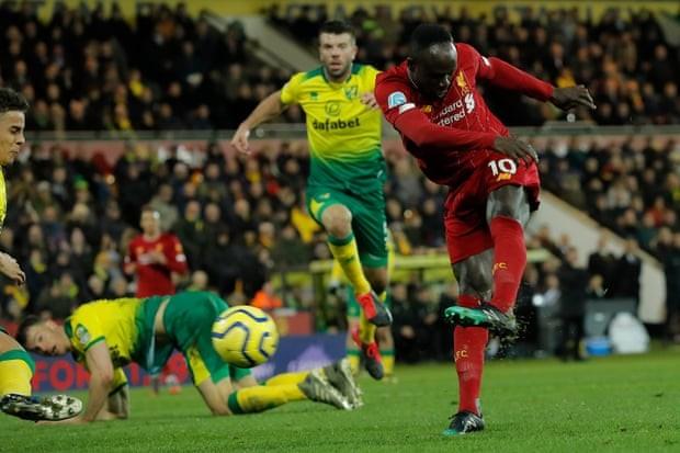Mane tỏa sáng, Liverpool nhọc nhằn thắng đội chót bảng