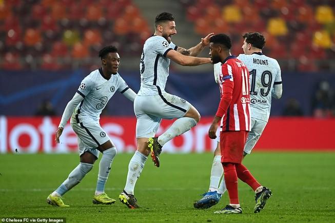 Chelsea thắng nhờ siêu phẩm, Bayern 'hủy diệt' Lazio