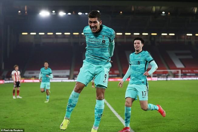 Đánh bại đội bét bảng, Liverpool trở lại cuộc đua Top 4