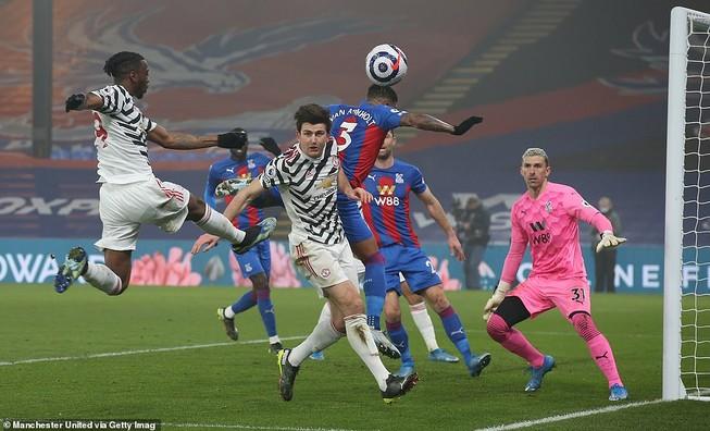 Để Crystal Palace cầm chân, MU từ bỏ giấc mơ vô địch
