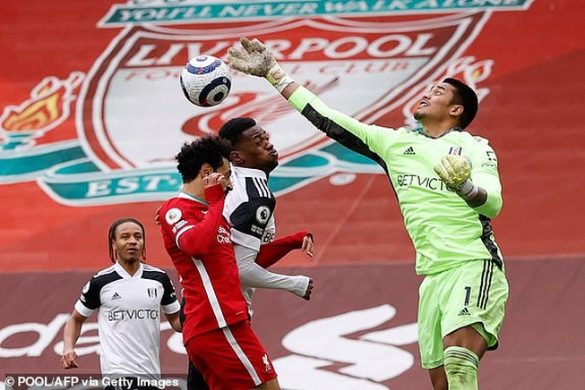 Liverpool lại thua sốc ở Anfield