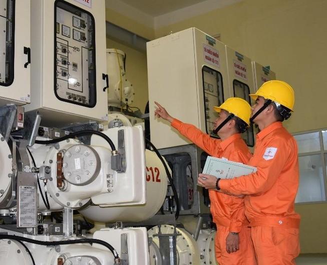 Bộ Công Thương lập ba đoàn kiểm tra việc tăng giá điện