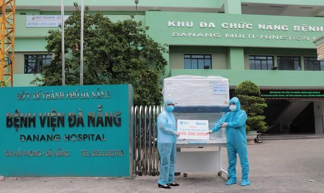 Trao tặng Tủ an toàn sinh học cấp 2 cho bệnh viện Đà Nẵng