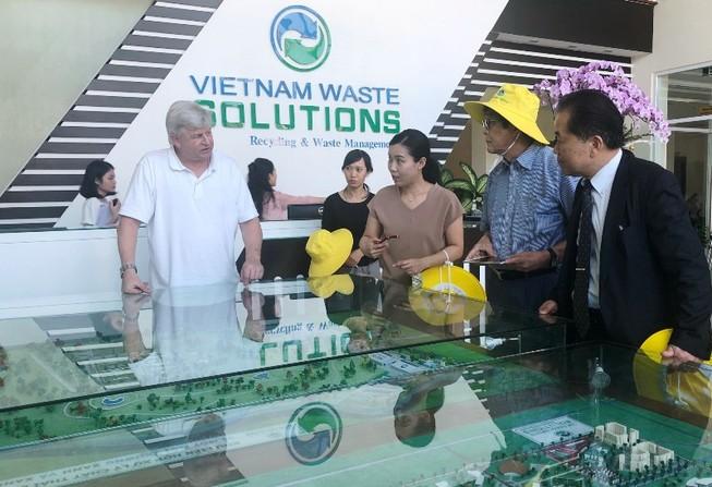 DN Nhật gặp gỡ David Duong chào bán công nghệ xử lý rác thải