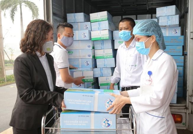 Sữa Cô Gái Hà Lan đóng góp 2 tỉ đồng chống dịch COVID-19