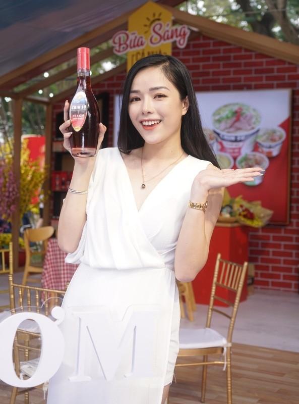 Đến Lễ hội Tết Việt, thưởng thức CHIN-SU Cá Cơm Biển Đông