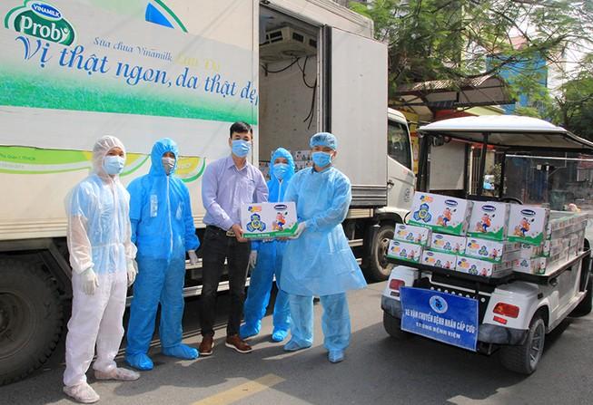 Vinamilk hỗ trợ 45.000 hộp sữa cho trẻ em đang cách ly