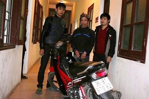 Nhà báo truy đuổi kẻ trộm xe máy