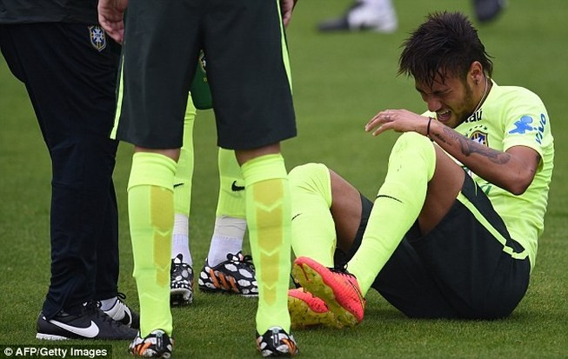 Đến lượt Neymar dính chấn thương