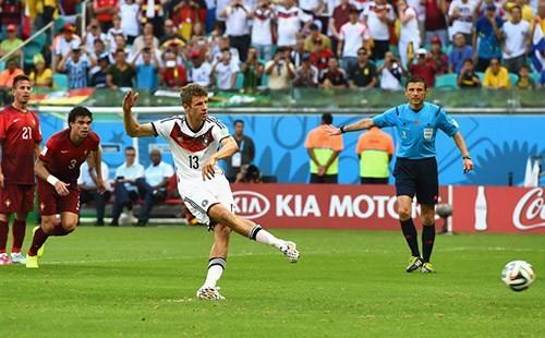 Đức thắng Algeria, Nigeria hòa Pháp