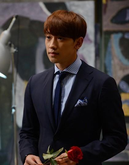 Rain phủ nhận lộ ảnh nóng từ điện thoại của Kim Tae Hee