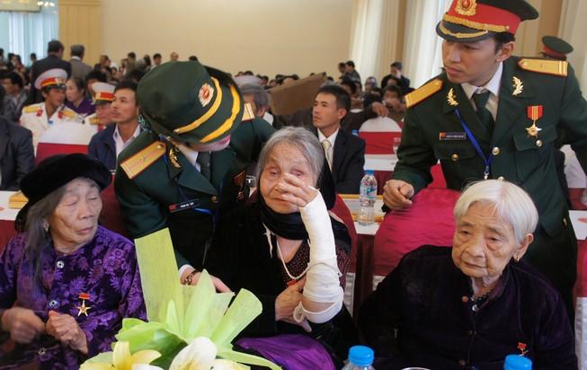 319 Mẹ nhận danh hiệu Bà mẹ Việt Nam Anh hùng
