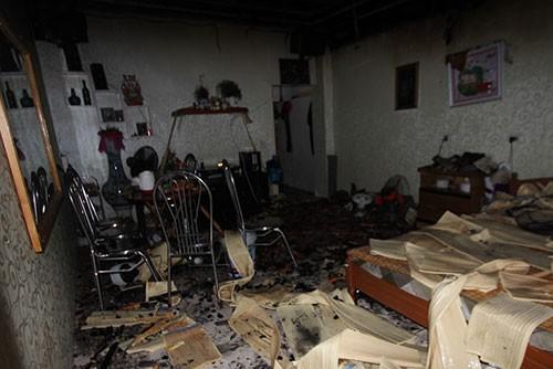 Thanh niên ngáo đá châm lửa đốt nhà suýt hại chết mẹ đẻ