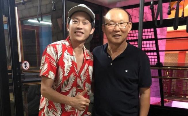 Hoài Linh làm thơ, Tuấn Ngọc hủy show, Xuân Nghi tái xuất