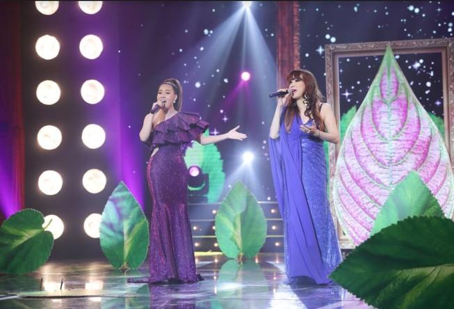 Ca sĩ Bích Ly hát 'Khúc Thụy Du' cùng danh ca Bảo Yến