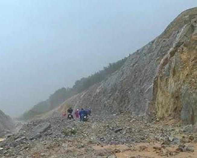 Mưa lớn làm nhiều khu vực đồi núi ở Thừa Thiên - Huế bị sạt lở.