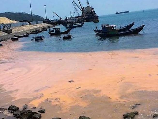 Sở tài nguyên Quảng Bình báo cáo về vệt nước màu đỏ