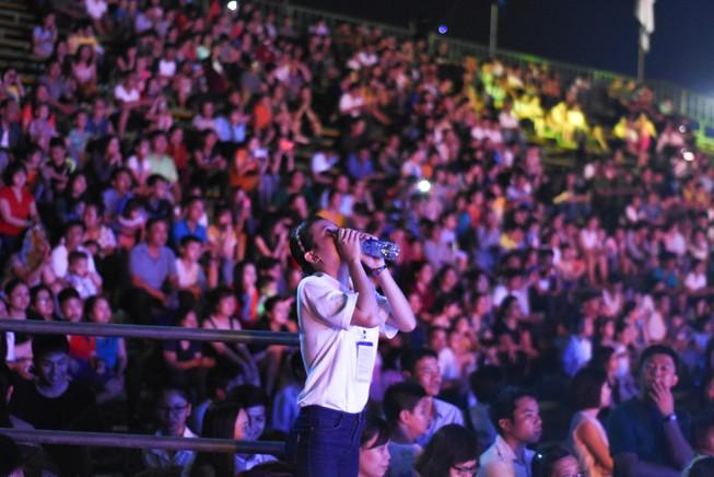 Dân cố đô náo nức xem tổng duyệt khai mạc Festival Huế