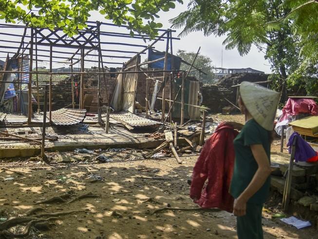 Người dân dỡ nhà, khép lại chuỗi ngày sống 'treo' trên di tích