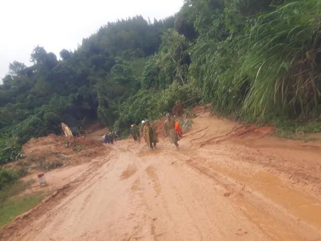 12 người 'cắt' rừng vào nơi Đại úy công an đi cứu nạn tử vong