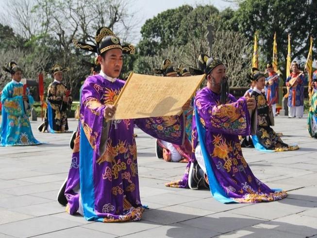 Huế tái hiện lộng lẫy lễ Nguyên đán triều Nguyễn