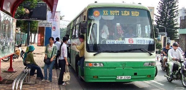 Vì sao 'đường ưu tiên' xe buýt ở TP.HCM chết yểu?
