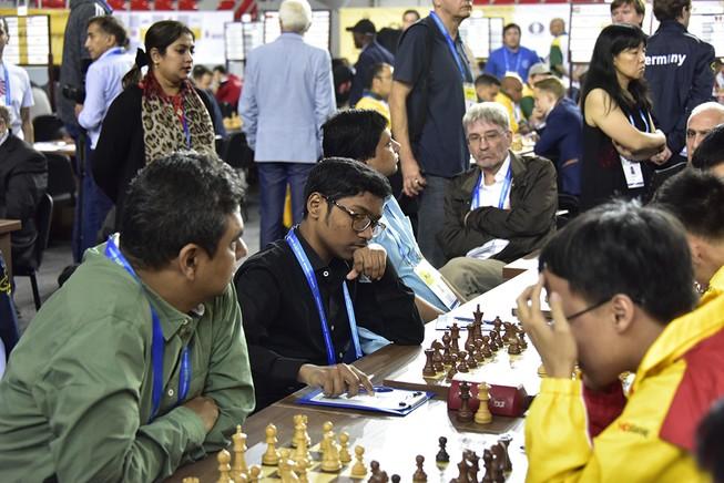 Quang Liêm tiếp mạch thắng, Việt Nam lên hạng 9 tại Olympiad