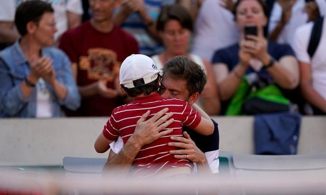 Khoảnh khắc gây xúc động nhất Roland Garros 2019
