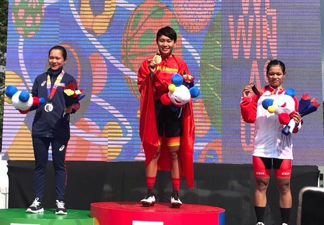 Tay đua Nguyễn Thị Thật bảo vệ thành công HCV xe đạp SEA Games