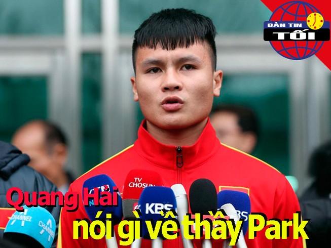 Quang Hải nói gì về HLV Park; nữ cầu thủ bế con chạy rước đuốc