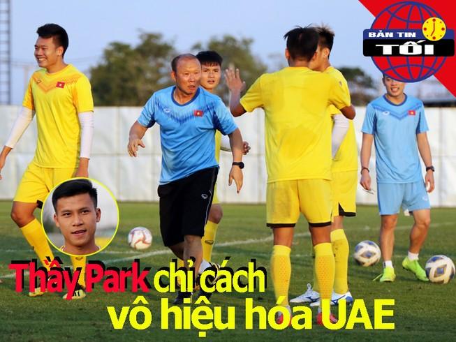 Ông Park chỉ học trò cách vô hiệu hóa UAE; 'Búp bê Nga' đến Úc