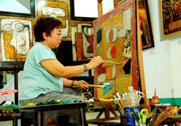 """""""Gái rượu"""" nhà văn Kim Lân tái ngộ hội họa"""