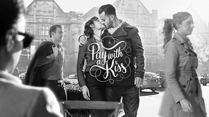 Trả tiền cà phê bằng 1 nụ hôn nồng cháy