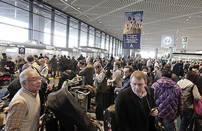Sợ rủi ro hạt nhân, người nước ngoài rời Tokyo