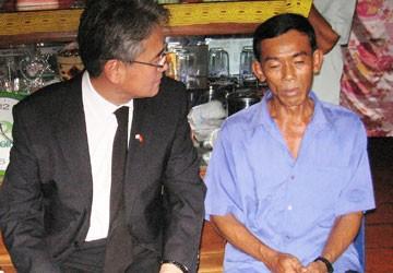 Đại sứ Hàn Quốc đến chia buồn gia đình cô dâu bị sát hại