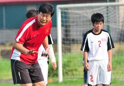 HLV Trần Vân Phát tin vào cơ hội tham dự World Cup 2015