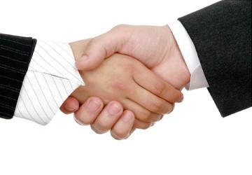 Chuyện xưa chuyện nay: Bắt tay, ai chìa tay trước? | PLO | PLO