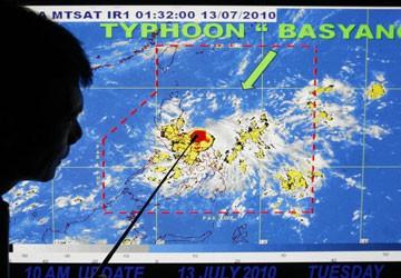 Philippines đón bão Côn Sơn