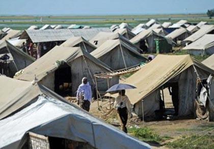 Chìm tàu chở 200 người ở Myanmar, nhiều người mất tích