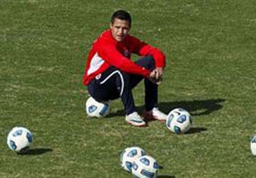 Sanchez còn cách Barca... 1 triệu euro