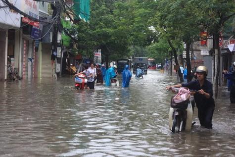 25 điểm ngập úng ở Hà Nội cần tránh khi bão số 1 đổ bộ