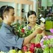 Thị trường Valentine: Hoa tăng, quà giảm giá