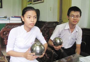 Học sinh phát minh quả cầu chữa cháy