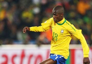 Ramires cầu xin Benfica để mình đến Chelsea